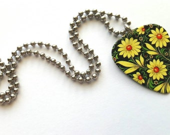 Flower Guitar Pick Necklace with Stainless Steel Ball Chain - daisy