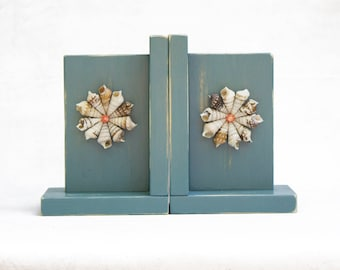 Bookends - River Shell Shabby Chic Distressed Wood Ocean Theme