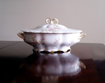 Vintage Haviland Porcelain Covered Serving Bowl /  Haviland and Co. Limoges France / Wild Rose Pattern / Bow Finial Lid Tureen