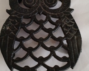 Vintage owl trivet, cast iron, country decor,