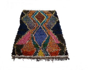 "82""X51"" Vintage Moroccan rug woven by hand from scraps of fabric / boucherouite / boucherouette"