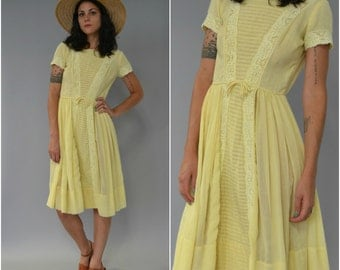 SALE - 1950s yellow lace trimmed full skirt day dress - size xs