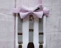 Pink Seersucker with embroidered Alligato..Ring bearers outfits..Boys 1st Birthday..Baby Boy Bow Tie..Boys Christmas Bow Tie..Boys Cakesmash
