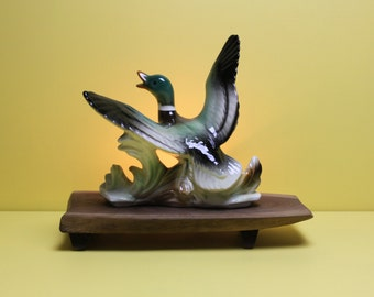 Ceramic Duck Accent / TV Lamp Made in 1959