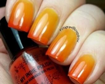 Thermal nail polish    7ml  mini bottle  -  Handmade - polish  - Vegan