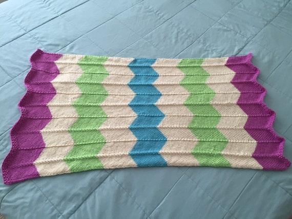 Knitting Pattern Swaddling Blanket : Knit Baby Blanket Chevron Pattern Blanket Swaddling Baby