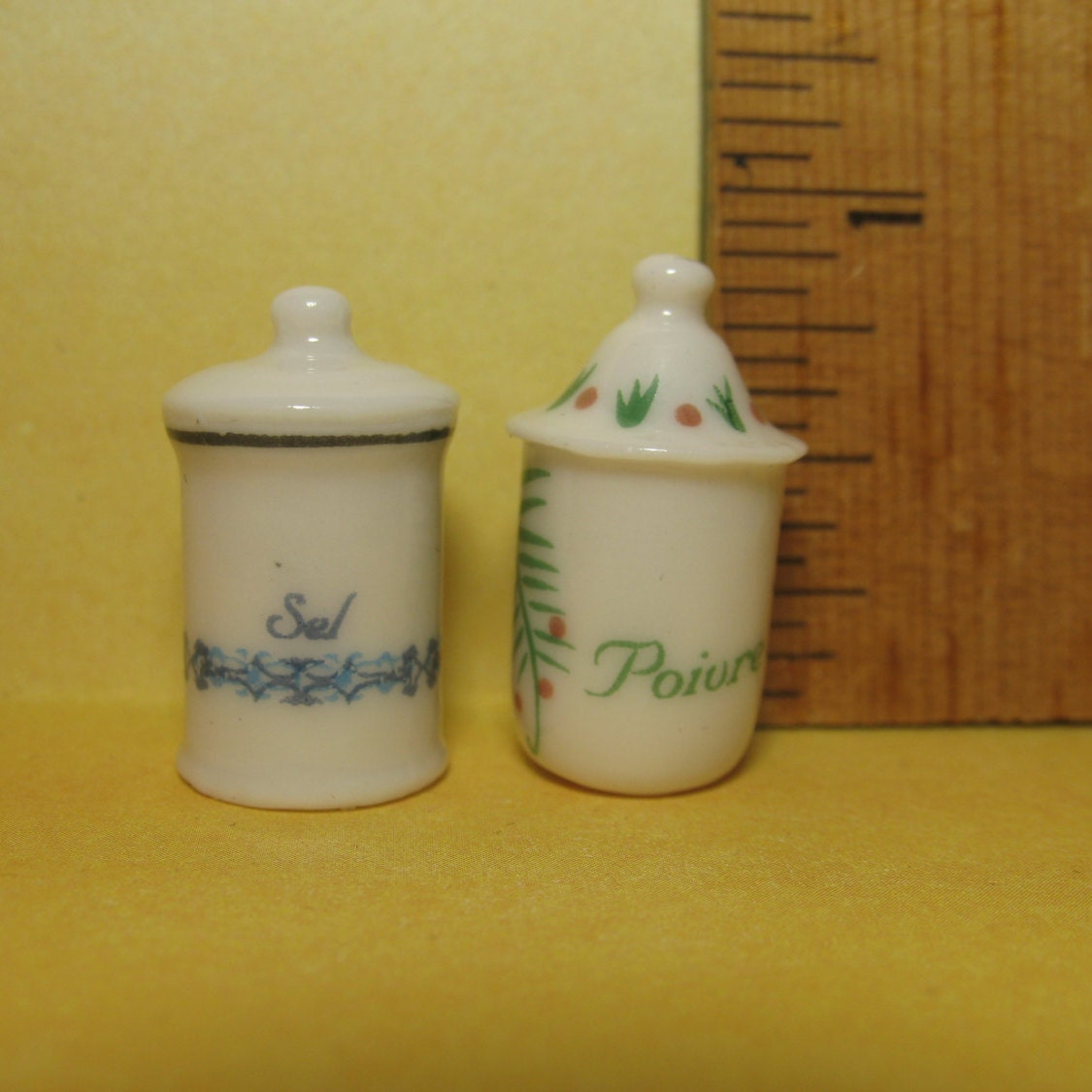 Vintage Style Kitchen Containers Salt Pepper Spice Canisters