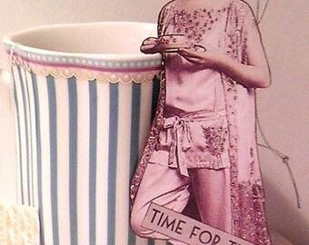 "Elegant ""Time for Tea"" Ornament"