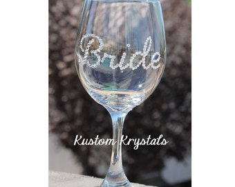 Swarovski Crystal embellished wine glass (up to 5 letters). Personalized gifts, weddings, anniversaries, bachelorette party, bridesmaid