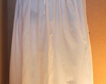 Vintage ladies skirt/slip, small elastic waist, lacey ruffled hem