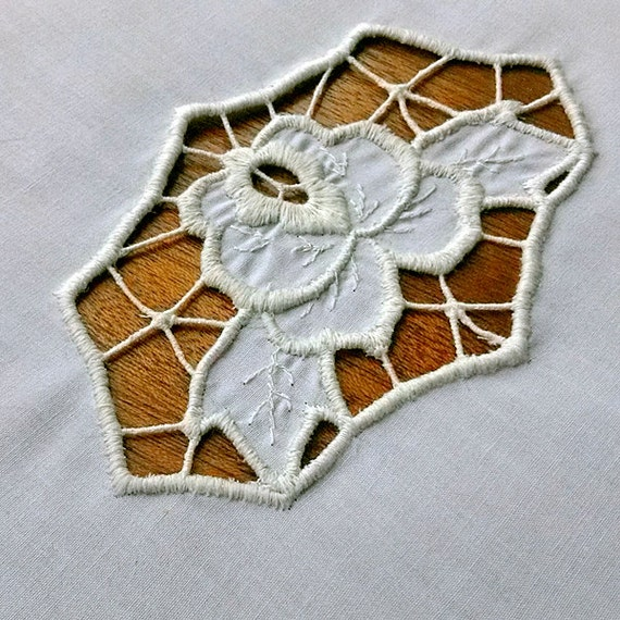Rose vintage richelieu embroidery old embroidered flower for Glass cut work designs