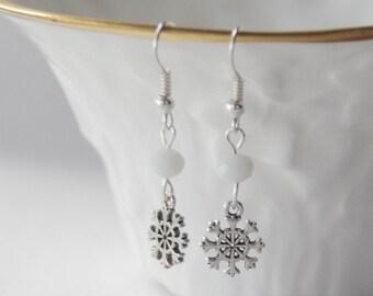 Snowflake Earrings, Snow Earrings, Winter Earrings, Christmas Earrings, Birthstone Earrings, Snowflake Jewelry, Birthstone Crystal Earrings
