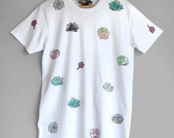 SUCCULENT T SHIRT. 100% cotton T shirt with succulents. White succulent t-shirt. Unique T shirts.