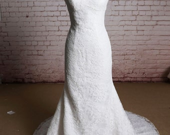 Full Lace Mermaid Style Wedding Dress with Spaghetti Straps Chapel Train Bridal Gown