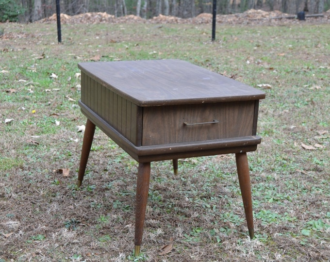 Vintage End Table Brown Wood Tone Mid Century Modern PanchosPorch