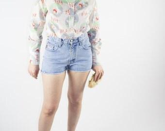 Vintage Denim Shorts | 90s Acid Wash Jean Shorts | Ring Fly Detail | Size 5