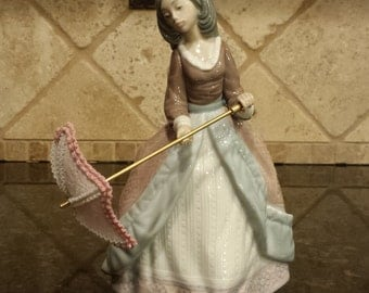 LLADRO Lady with Parasol #5210 - JOLIE - MINT w/Lladro Box