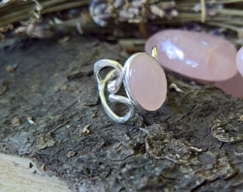 Rose Quartz Ring. Sterling silver ring. Silver jewellery. Elvish ring, Elvish jewellery. Heart ring. Gemstone ring. Statement ring.