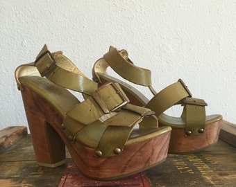 Muted Moss Wooden Platform Heels Bohemian Groupie Pumps Buckle Sandals Size 6 B