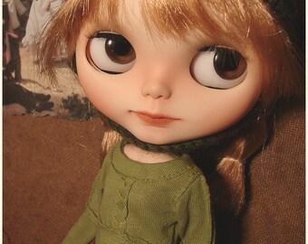 Blythe clothes | Peridot Green | Fandango Sweater | Blythe outfit | Blythe sweater | jersey | doll jumper | custom Blythe | Little Bohemians