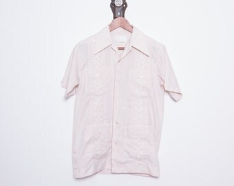 90s Shirt \\ Guayabera Shirt \\ Mexican Shirt \\ Surf Shirt \\ Tiki Clothing \\ Bowling Shirt \\ Loop Collar Shirt \\ Short Sleeve Shirt