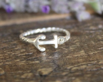 Sterling Silver Anchor Ring. Beautiful twisted Sterling Silver ring Size 6.