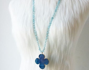 Agate Clover Long Necklace. Chalcedony and Agate Gemstone Necklace. Charm necklace. Free Shipping advantage !