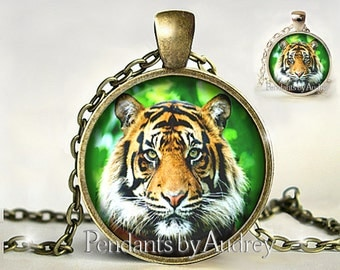 Tiger Necklace, Tiger Pendant, Tiger Jewelry, Big Cat Jewelry,Wildlife Necklace,Picture Pendant, Glass, Gift,Photo,Charm,Gift for Her