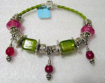 775 - NEW - Lime and Pink Beaded Bracelet