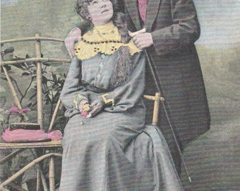Romantic vintage lovers postcard . Valentine's day  postcard. Belle Epoque postcard