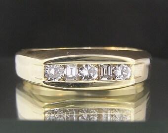 Men's 14k Yellow Gold & Diamonds Vintage Estate Wedding Ring