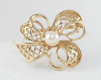 Vintage Richelieu Gold Bow Brooch with Faux Pearl Open Work Richelieu Bow Pin with Pearl Richelieu Crosshatch Gold Bow Brooch