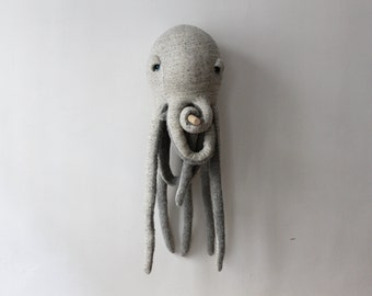 Big Octopus <O> Stuffed Animal <O> Plush Toy <O>