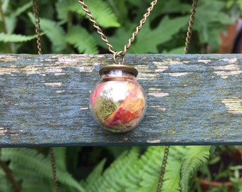 Botanical Jewellery - rose petals and lichen moss necklace
