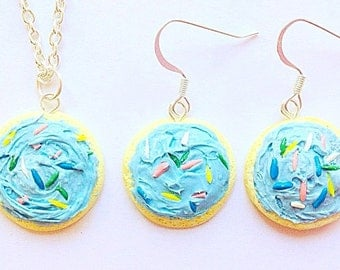 Cookie jewelry set,Blue frosting cookie jewelry,Sugar cookie necklace,Blue sugar cookie earring,Food necklace,Food jewelry,Cookie art