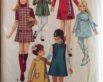 Simplicity 8941 - Girls A Line Dress or Jumper with Stand Up Collar Option - Size 12 Bust 30