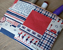 Medium Makeup Bag - London Cosmetic Bag - Britain Theme Toiletry Bag - England Zipper Pouch