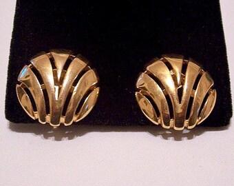 Trifari Slotted Fan Discs Clip On Earrings Gold Tone Vintage Swirl Open Bands Brushed Detail Backs
