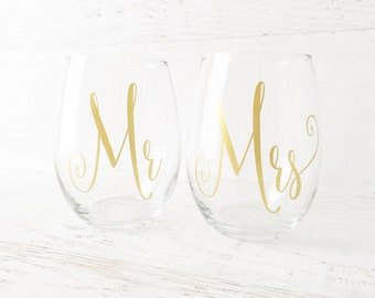 Mr and Mrs Wine Glasses,  Mr and Mrs Gifts, Mrs and Mrs, Wedding Gift, Couples Gifts, Wine Glass Set, Stemless Glasses - Set of 2 Glasses