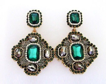 S A L E ••• VanGarden SIERRA Drop Earring in Emerald