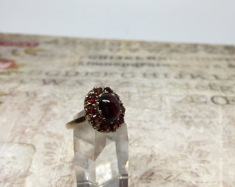 Vintage 9ct Garnet Ring / Cocktail Ring / Victorian garnet Ring