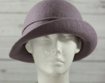 "Reserved: Hat ""Elegant Simplicity"" - 100% wool - Classic style"