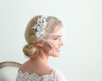 White Lace Veil and Flower Pins Bridal Wedding Accessories