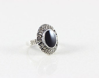 Vintage Sterling Silver Onyx and Marcasite Ring Size 7 3/4