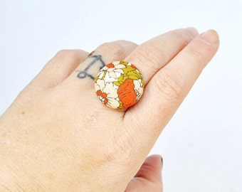 Fabric Button Ring. Peach and Orange Adjustable Ring. Floral Ring. Retro Statement Ring.
