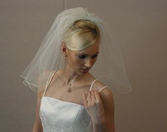 "Wedding veil, Bridal veil, 18"" long should length with pencil edging wedding veil"