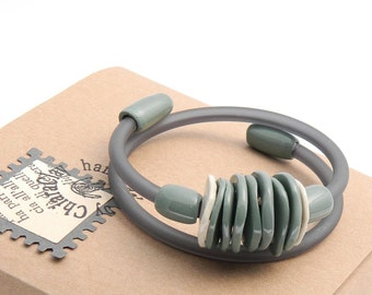 Green and beige bracelet