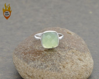 Green Chalcedony Ring - Sterling Silver Ring - Gemstone Jewelry - Bezel Ring Jewelry - 10mm Cushion Ring- #1243