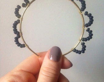 Sun-shaped Black Matte Beaded Bangle Bracelet