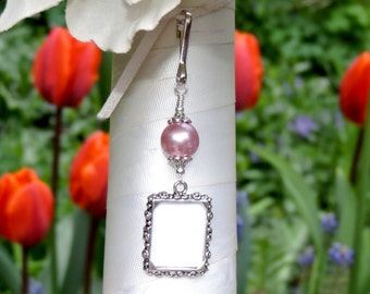 Wedding bouquet photo charm. Rose pink pearl memorial charm for a bridal bouquet. Small picture frame. Gift for the bride. Sister gift.